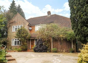 Thumbnail 4 bed detached house to rent in Knoll Road, Dorking