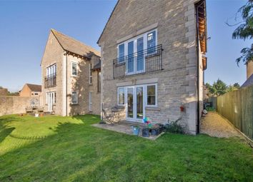 Thumbnail 2 bed flat to rent in Shipton Road, Woodstock