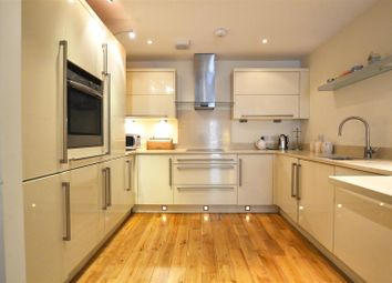 Thumbnail 2 bedroom flat for sale in Upper Frog Street, Tenby