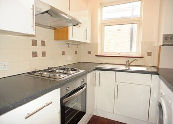 Thumbnail 2 bed flat to rent in Honley Road, Catford
