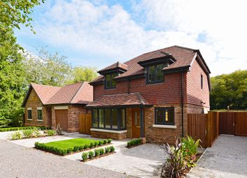 The Street, Hascombe GU8. 4 bed detached house