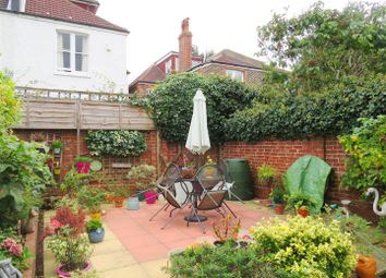 Thumbnail 1 bed flat to rent in Silverdale Road, Hove