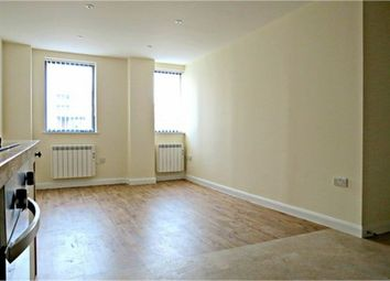 Thumbnail 1 bed flat to rent in Queens Road, Watford, Hertfordshire