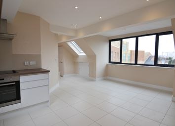 Thumbnail Flat to rent in Grove Crescent, Kingston Upon Thames, UK