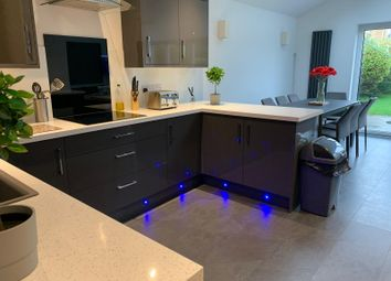 Thumbnail 4 bed bungalow to rent in Chatsworth Drive, Banbury