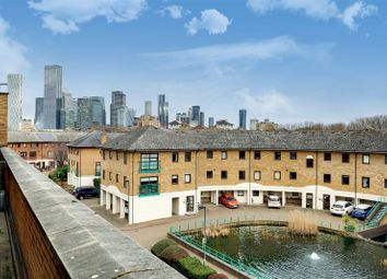 Plover Way, London SE16. 2 bed flat for sale