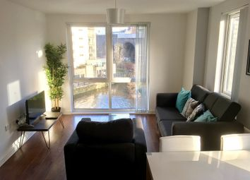 2 bed flat to rent in The Riverside, Lowry Wharf, Salford M5