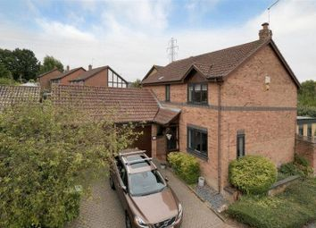Thumbnail 4 bed property for sale in Goldfinch Close, Paddock Wood, Tonbridge