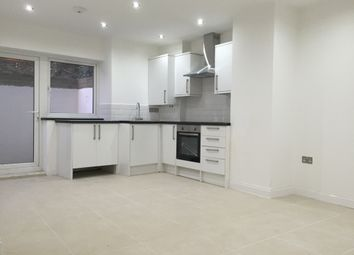 Thumbnail 3 bed flat to rent in Foulden Road, Stoke Newington / Dalston