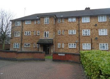 Thumbnail 2 bed flat to rent in Dart Green, South Ockendon