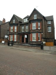 2 bed flat to rent in Newsham Drive, Liverpool L6