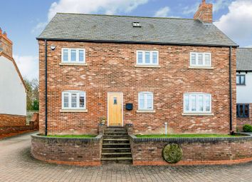 4 bed detached house for sale in Hillcott Close, Steeple Claydon, Buckingham MK18