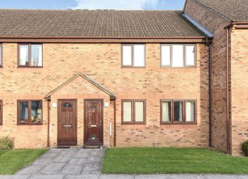 2 bed maisonette to rent in The Larches, Carterton OX18