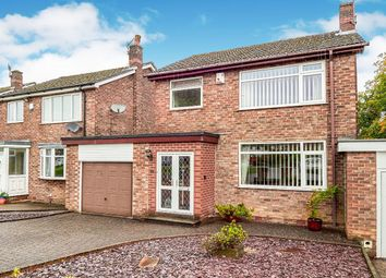 3 bed property for sale in Pinfold, Hadfield, Glossop SK13