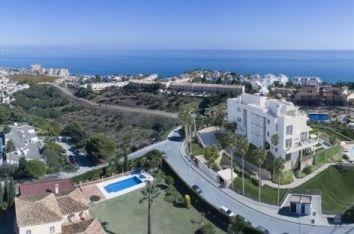 Thumbnail 2 bed apartment for sale in Spain, Málaga, Mijas, Mijas Costa