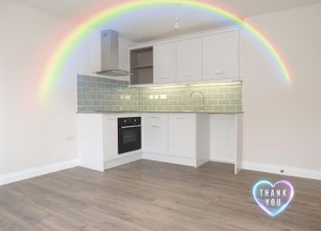 2 bed flat to rent in Station Road, Yate, Bristol BS37