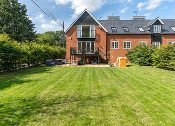 Kingfisher Place, Chartham, Canterbury CT4. 4 bed semi-detached house