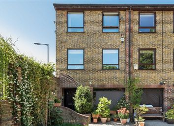 Thumbnail 5 bed property for sale in Abinger Mews, London