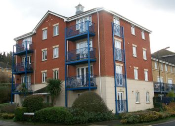 Thumbnail 2 bed flat to rent in 2 Bed Flat, Appplecross Close, The Esplanade, Rochester