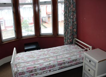 Thumbnail Room to rent in Wolves Lane, Palmers Green, London