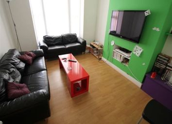 Thumbnail 6 bed terraced house to rent in Ashville View, Hyde Park, Leeds