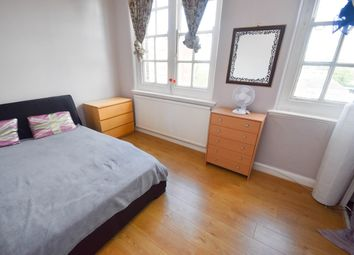 Thumbnail Room to rent in Station House Mews, Silver Street, Edmonton