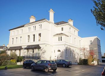 2 bed flat to rent in Pittville Circus Road, Cheltenham GL52