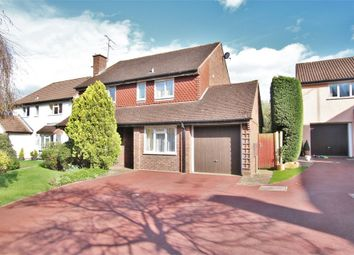 Thumbnail 4 bed detached house for sale in Larkspur Close, Wokingham, Berkshire
