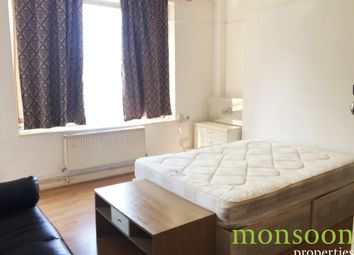 Thumbnail 4 bed flat to rent in Peckwater Street, London