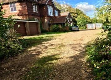 3 bed flat to rent in Bahamia Court, Guildford, Surrey GU4