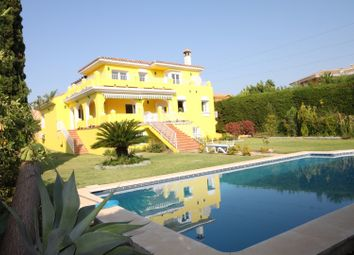 Thumbnail 4 bed villa for sale in Spain, Andalucia, Estepona, Ww691