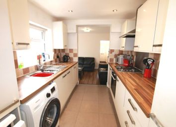 4 bed detached house to rent in Pitcroft Avenue, Reading RG6