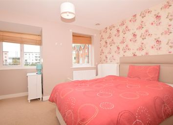 3 bed town house for sale in Adams Drive, Ashford, Kent TN24