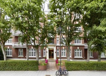 Thumbnail Flat to rent in Elm Tree Road, London