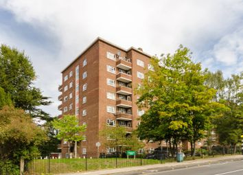 3 bed flat to rent in Kingston Hill, Kingston Hill, Kingston Upon Thames KT2