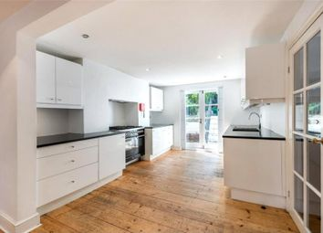 Thumbnail 4 bed flat to rent in Sutherland Square, London