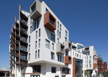 Thumbnail 1 bed flat to rent in Bellville House, John Donne Way, Greenwich