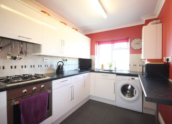 Thumbnail 2 bed flat to rent in Hookhills Road, Paignton