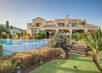Thumbnail Villa for sale in El Madroñal, Benahavis, Malaga