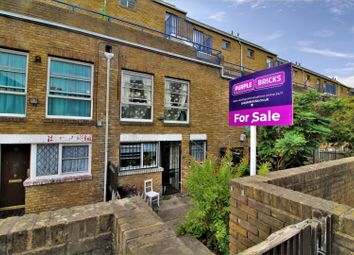 3 bed maisonette for sale in Marlborough Avenue, London E8