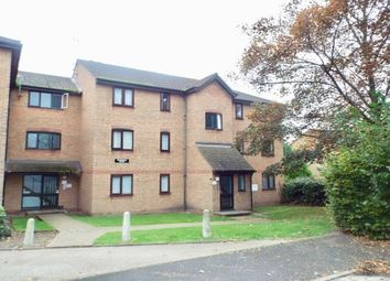 Thumbnail 2 bed flat to rent in Linnet Way, Purfleet