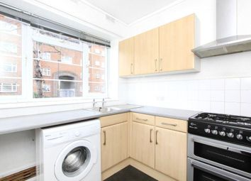 2 bed flat to rent in Thorncroft Street, London SW8