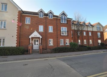 Thumbnail 2 bedroom flat for sale in Whinbush Road, Hitchin