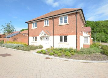 Thumbnail 3 bed detached house to rent in Redstart Croft, Bracknell