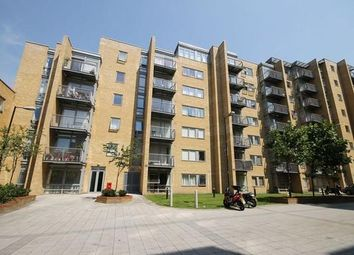 Thumbnail Room to rent in Cassilis Road, Canary Wharf