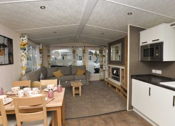 Thumbnail 2 bed mobile/park home for sale in Shottendane Road, Birchington