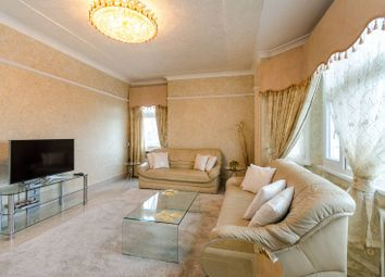 Thumbnail 3 bedroom flat for sale in Crompton Court, Chelsea