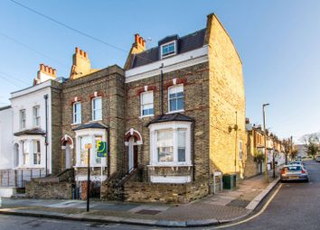Thumbnail 4 bed flat to rent in Taybridge Road, Clapham