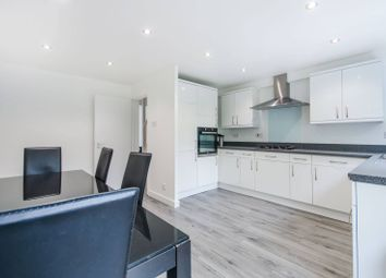 Thumbnail 3 bed flat to rent in Crosslet Vale, Greenwich