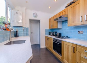 Thumbnail 2 bed cottage to rent in Ringslade Road, Wood Green